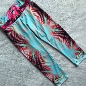 Onzie Fiji Palm Yoga Capri Cropped Legging XS